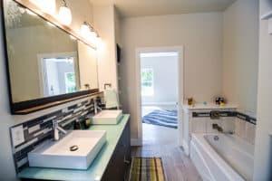 407 Mauna Loa No10 Master Bathroom2