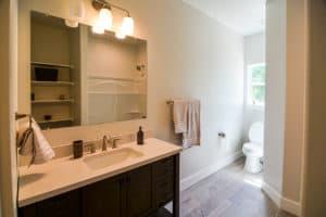 407 Mauna Loa No6 Bathroom