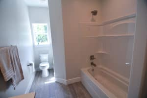 407 Mauna Loa No7 Bathroom